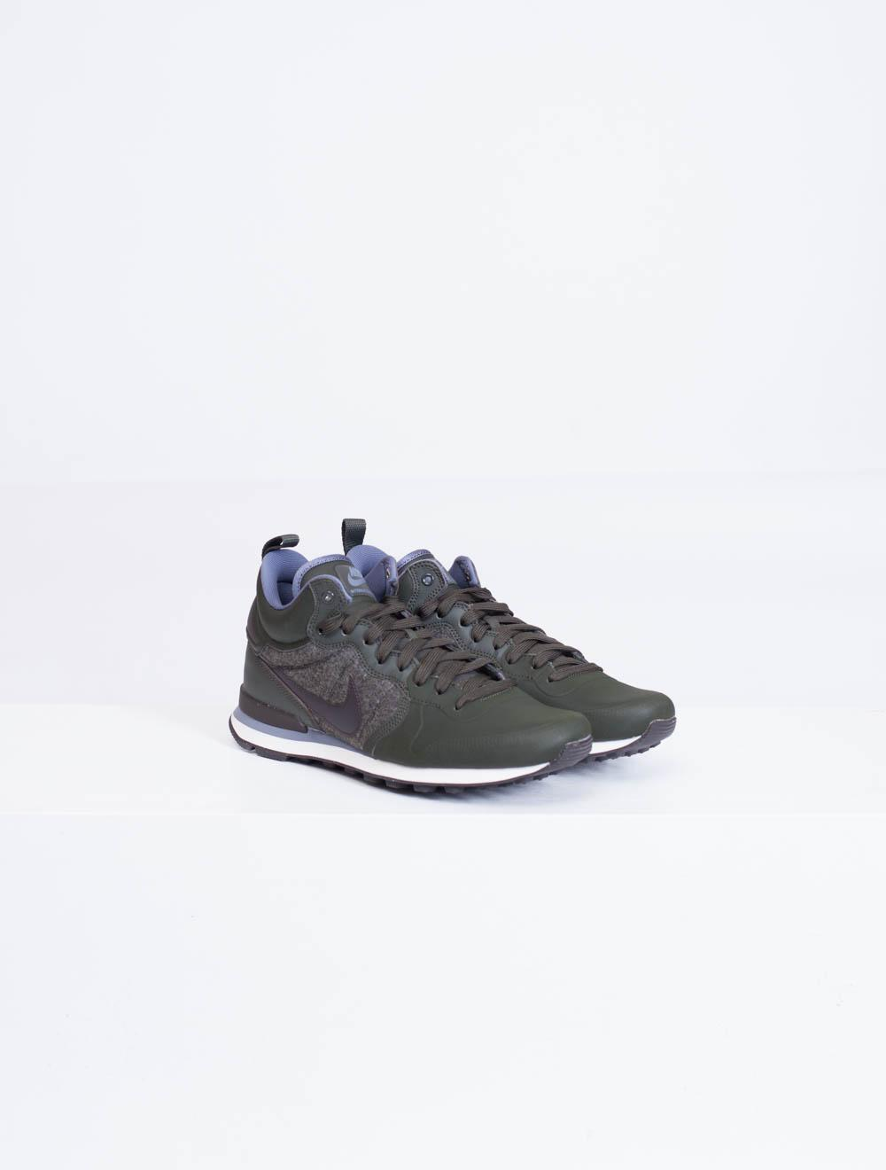 best loved 0a761 ee2b6 ... canada where can i buy nike internationalist utility sneakers 60e1d  366f7 0db89 d8b21